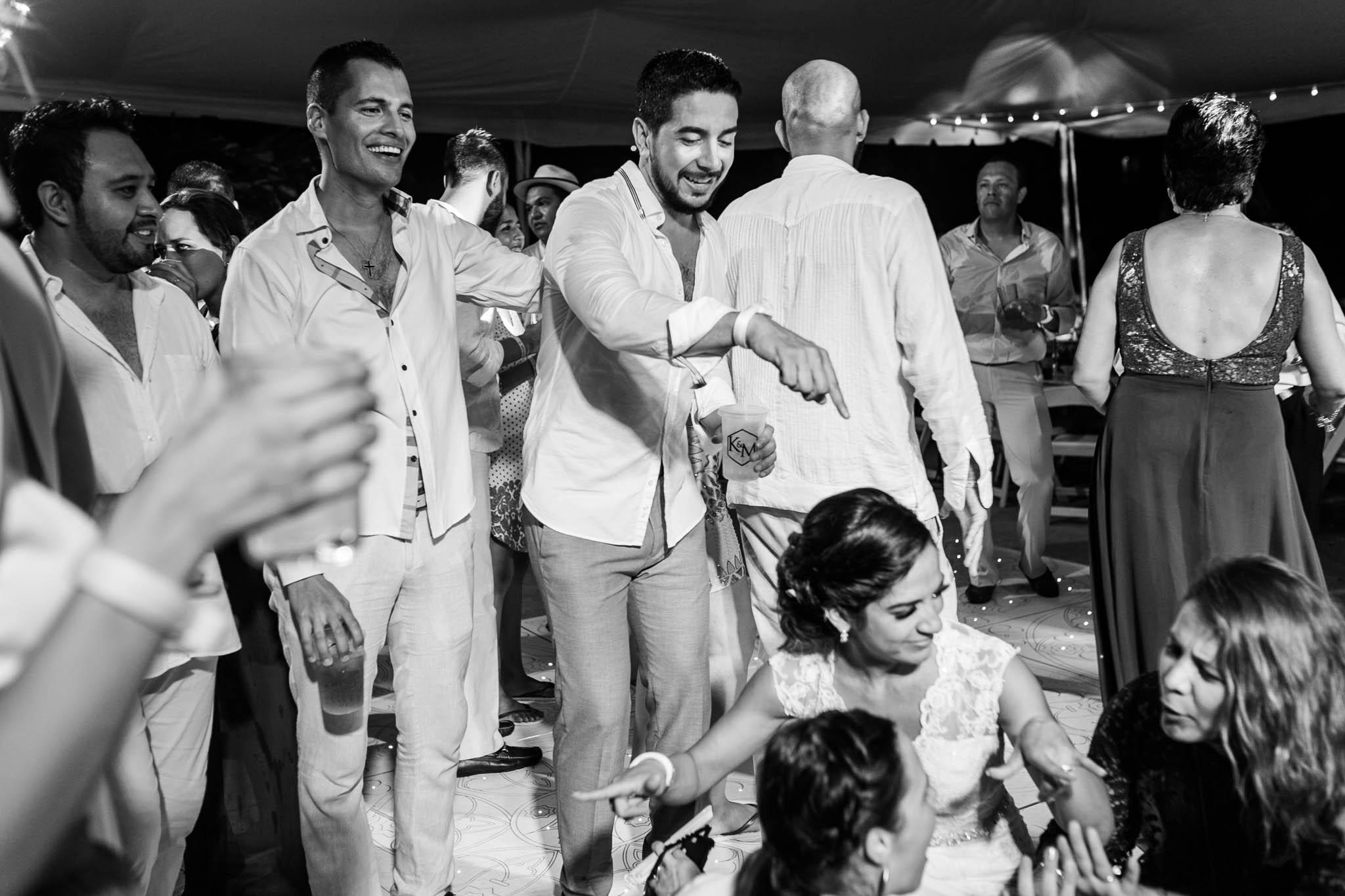 Wedding Destination Boda Vallarta Fotos de boda Playa Luz Escrita San Luis Posoti 329