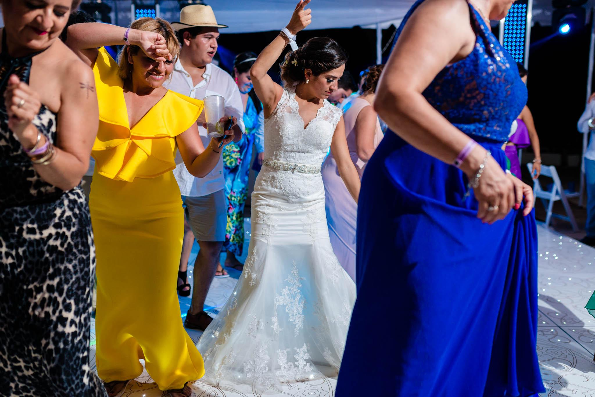 Wedding Destination Boda Vallarta Fotos de boda Playa Luz Escrita San Luis Posoti 339